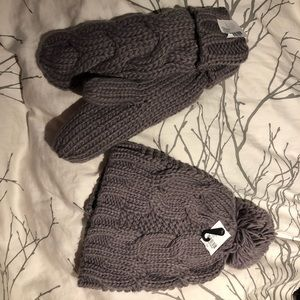 Accessories - Toque and Mitts set